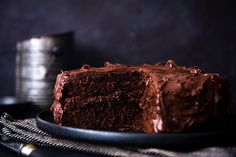 Only Chocolate Cake Recipe, Chocolate Fudge Icing, My Recipes, Cake Recipes, Delicious Desserts, Yummy Food, Food Science, Let Them Eat Cake, Baking
