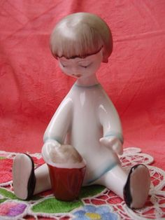 VINTAGE HUNGARIAN HOLLOHAZA ART DECO PORCELAIN PLAYING GIRL,HANDPAINTED,STAMPED
