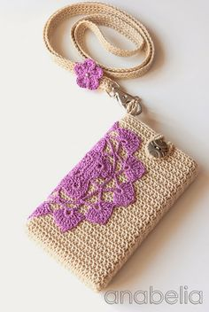 Crochet Phone Cover Crochet vintage smartphone cover with neckband by Anabelia Crochet Phone Cover, Crochet Pouch, Crochet Diy, Crochet Purses, Love Crochet, Crochet Gifts, Crochet Stitches, Vintage Crochet, Crochet Designs
