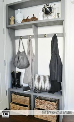 free plans for entryway locker system, inspired by ana white Ana White, Entry Way Lockers, Piece A Vivre, Do It Yourself Home, Home Organization, Organizing Tips, Diy Furniture, Furniture Plans, Entryway Furniture
