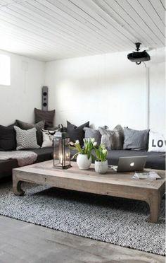 Designer couch holz  7 Inspirations From ELLE Decor A-List On How To Pick Living Room ...