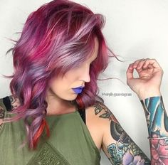 Love this hair color!!! The lipstick is pretty sweet too!