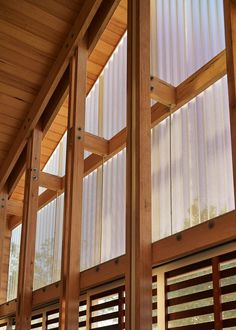 MAKE Architecture Adapted Japanese Sliding Timber Screens to Renovate an Australian Home 9 Architecture Renovation, Timber Architecture, Timber Buildings, Pavilion Architecture, Australian Architecture, Australian Homes, Architecture Details, Sustainable Architecture, Residential Architecture