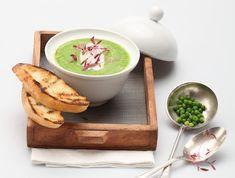 מתכון למרק אפונה פשוט בבישול איטי, שיפיץ בבית ניחוחות נוסטלגיה מבית סבתא ולא ישאיר אתכם רעבים. מרק אפונה קל ופשוט להכנה