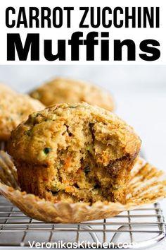 Strawberry Oatmeal Bars, Blueberry Crumble Bars, Blueberry Oatmeal, Oatmeal Muffins, Zucchini Muffin Recipes, Zucchini Carrot Muffins, Zucchini Breakfast, Dairy Free Zucchini Muffins, Sugar Free Muffins