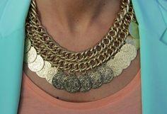 collar monedas