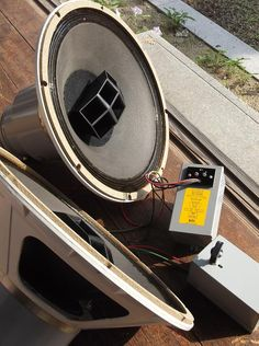 ALTEC 604E : オーディオ大好きおやじの日記 Stage Equipment, Audio Equipment, Hifi Audio, Audio Speakers, Floor Standing Speakers, Altec Lansing, Audio Studio, Speaker Box Design, Electronics Companies