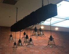 Lámpara de la viga de madera reciclada