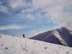 پنجشنبه خوب- و من که زمین را بر گُردهی خویش داشتم و پیش میرفتم  #Tehran #mountains #کوه #چین_کلاغ #لورکا #شاملو