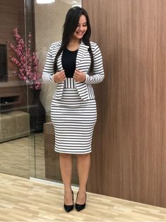 Indian Fashion Trends, Latest African Fashion Dresses, Pretty Black Dresses, Chic Outfits, Fashion Outfits, Sleeves Designs For Dresses, Corporate Fashion, Business Casual Attire, Work Attire