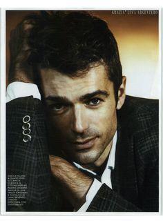 L'attore più amato dalle italiane, Luca Argentero, indossa giacca in lana a quadri OVS. @graziait. #OVS #OVSpressclipping #GRAZIA #LucaArgentero