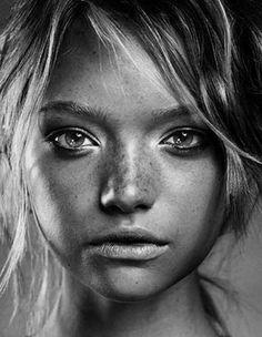 Portrait Male, Pencil Portrait, Beauty Portrait, Woman Portrait, Gemma Ward, Black And White Portraits, Black And White Photography, Beauty Photography, Portrait Photography