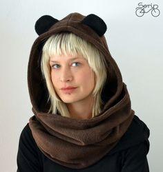 Serin -  Barna macifüles sál (fekete füllel) Ruha, divat, #scarf #bear #fashion Bear Hoodie, Fasion, Hoodies, Hats, Sweatshirts, Hat, Fashion, Parka, Hoodie
