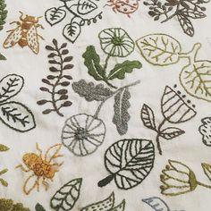 代官山蔦屋の実物展示を見て、すっかりハマってしまった、 #樋口愉美子 さんの図案。 初めてここまで刺繍しました。 うまくなりたいな〜 #刺繍 #yumikohiguchi
