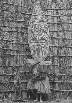 Gulf of Papua. Dancer. Seligman 1903