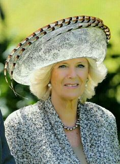 Camilla, Duchess of Cornwall smiles at Government House on November 2012 in Wellington, New Zealand. The Royal couple are in New Zealand on the last leg of a Diamond Jubilee that takes in Papua. Get premium, high resolution news photos at Getty Images Philip Treacy Hats, Spring Racing Carnival, Camilla Duchess Of Cornwall, Camilla Parker Bowles, Foto Real, Races Fashion, Kentucky Derby Hats, Herzog, Oui Oui