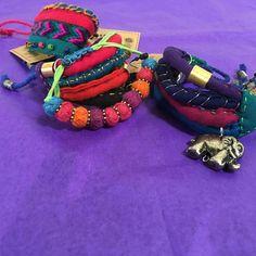 Accesorize your favorite Selyn saree with some of our jewelry! #selyn #handlooms #handmade #asia #srilanka #kandy #kurunegala #colombo #negombo #badagamuwa #wfto #wftoguarantee