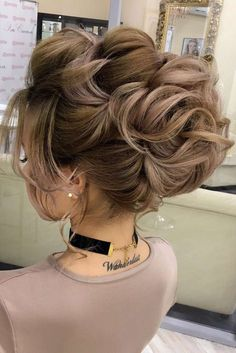 Hairstyles for Prom to Go for Mega Impact. This special event is really soon, and picking a hairstyle is one of the most significant preparation stages along with deciding on your overall image, dress, shoes, makeup, and little details like accessories.