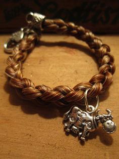 Cow lovers, chestnut horse hair round braided bracelet <3