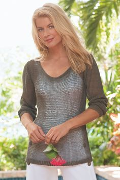 Our Seaside Sweater I is a summer essential - it also features a subtle shimmer.