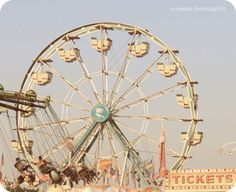 Pictures of Ferris wheels are always so pretty