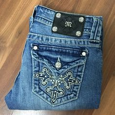 "Miss Me Bling Cross Boot Jeans Miss Me embellished cross boot jeans. 5 pocket design with single button and zipper closure. Rise 7"", Waist 28"", inseam 30"", Outseam 37.5. Miss Me Jeans Boot Cut"