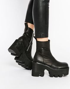 UNIF Pact Cleat Platform Ankle Boots