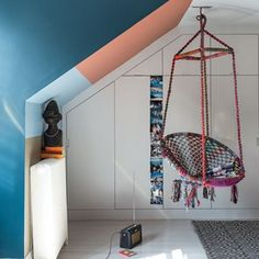 Discover modern kids' bedroom ideas on HOUSE - design, food and travel by House & Garden. A blue and orange kids' paint idea from Farrow & Ball with a unique hanging chair. Hanging Swing Chair, Swinging Chair, Diy Hanging, Hanging Chairs, Hanging Beds, Hanging Furniture, Ceiling Hanging, Teenage Girl Bedrooms, Girls Bedroom