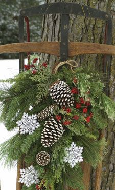 White snowflake accents for wreaths, trees, windows and more! #Christmas #decor