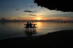 Pôr-do-sol no rio Tocantins em Palmas, capital do estado de Tocantins, Brasil, e porta de entrada para o Parque Estadual do Jalapão.  Fotografia: MACRIMM.