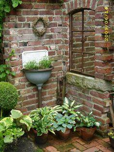Inspiring outdoor garden wall mirrors ideas 10 - All About Garden Little Gardens, Small Gardens, Outdoor Gardens, Farm Gardens, Rustic Gardens, Indoor Outdoor, Brick Planter, The Secret Garden, Garden Mirrors