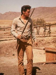 Elvis em Estrela de Fogo, prá mim seu melhor desempenho como ator