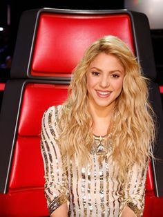 Shakira's Glow Steals the Show On The Voice : You may not be able to shake your hips like Shaki, but hey, at least you can glow like her with our tips.  #SelfMagazine