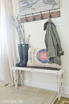 DIY Rustic Bench - So simple anyone can make it! Small lovely entryway style