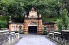 The Bridge to the Necropolis - Glasgow, Scotland | Quick Fact: A herd of deer live in there!