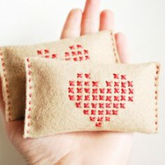 Stitch a simple hand warmer inspired by (pinner's) renewed love of Little House on the Prairie!