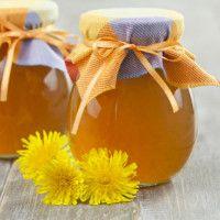 pampeliškový sirup Dandelion Jelly, Dandelion Flower, Spareribs, Wild Edibles, Fusilli, Hobby Farms, Canning Recipes, Preserves, Free Food