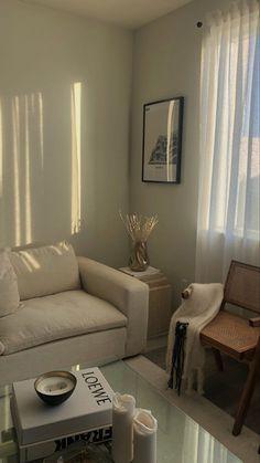 Living Room Inspiration, Home Decor Inspiration, Room Ideas Bedroom, Bedroom Decor, Room Interior, Home Interior Design, Minimalist Room, Aesthetic Room Decor, Dream Home Design