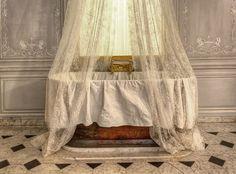 Tea at Trianon: Marie-Antoinette's Bath