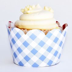 Amazon.com: Red Checkered Cupcake Wrappers, Vintage Baby Blue Gingham, Picnic Red Checked, Confetti Couture Party Supplies, 36 Wraps: Home & Kitchen