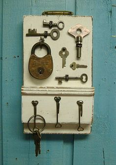 Weathered White Skeleton Key Key Holder With by CastawaysHall, $49.00