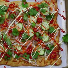 Banh Mi Pizza - In Pizza Crust We Trust - Vietnamese Tasty Videos, Food Videos, Asian Recipes, Healthy Recipes, Vietnamese Recipes, Flatbread Pizza, Crust Pizza, Pizza Dough, Pizza Recipes