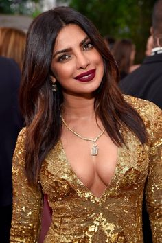 Priyanka Chopra sexy pics are an eye feast for her fans. Here are the bold, semi and hot images of Priyanka Chopra from her hot photoshoots. Do check out images of Priyanka Chopra in bikini, saree, etc Priyanka Chopra Makeup, Priyanka Chopra Images, Actress Priyanka Chopra, Priyanka Chopra Hot, Bollywood Actress, Priyanka Chopra Awards, Beautiful Celebrities, Beautiful Actresses, Golden Globe Awards 2017