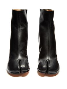 Click here to buy Maison Margiela Tabi split-toe leather ankle boots at MATCHESFASHION.COM