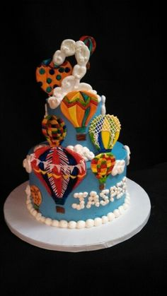 A hot air balloon cake by christinascakery.com