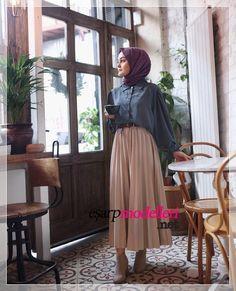 New Season Hijab Long Skirt Models 2020 Hijab Fashion and Models Modern Hijab Fashion, Hijab Fashion Inspiration, Muslim Fashion, Mode Inspiration, Modest Fashion, Fashion Outfits, Fasion, Chic Outfits, Hijab Casual