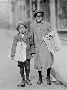 +~+~ Antique Photograph ~+~+    Newspaper boys ca. 1910.