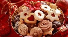 You cant forget about the yummy Christmas cookies Cookie Recipes, Dessert Recipes, Christmas Sugar Cookies, Foods To Avoid, Christmas Cooking, Food Gifts, Cake Cookies, Cookie Decorating, Food And Drink
