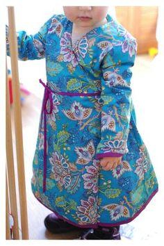 Robe croisée des Irrésistibles à coudre 0 à 3 ans. TissuPat Bravo Bazaar Style