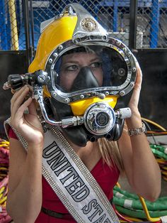 United States 2012 U. Corinne Devin tries on dive equipment during a tour of the Mobile Diving and Salvage facilities in Pearl Harbor, Hawaii, Dec. Best Scuba Diving, Scuba Diving Gear, Cave Diving, Diving Helmet, Diving Suit, Gorgeous Ladies Of Wrestling, Gas Mask Girl, Diving Wetsuits, Deep Sea Diver
